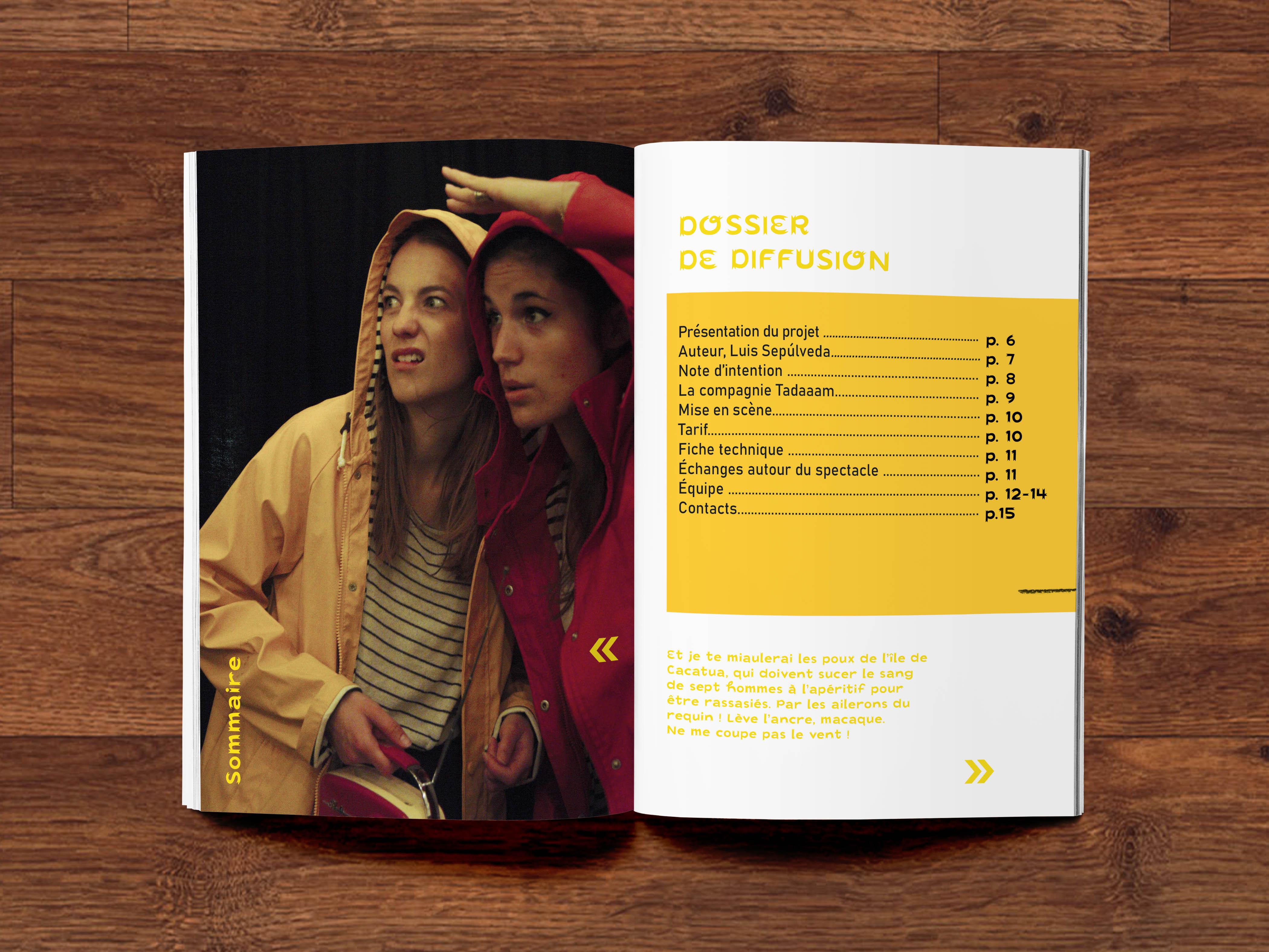 A5 Magazine MockUp (3)